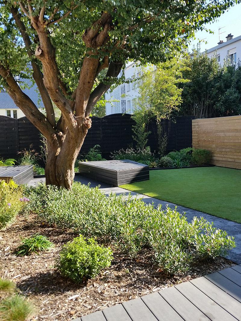 Contemplation d\'un jardin moderne - Guillerm & Fils